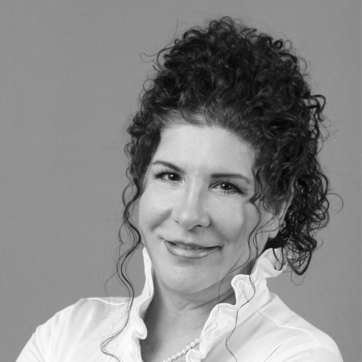 Portrait of Debbie Mauro